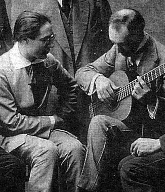 Segovia and Llobet c 1917.jpg
