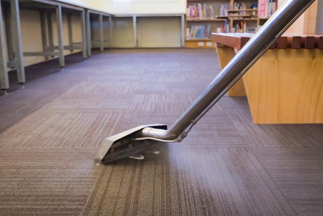 Steam carpet cleaning - schools brisbane