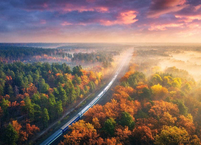 Trains-of-the-North-East-Notch-Above-Tou