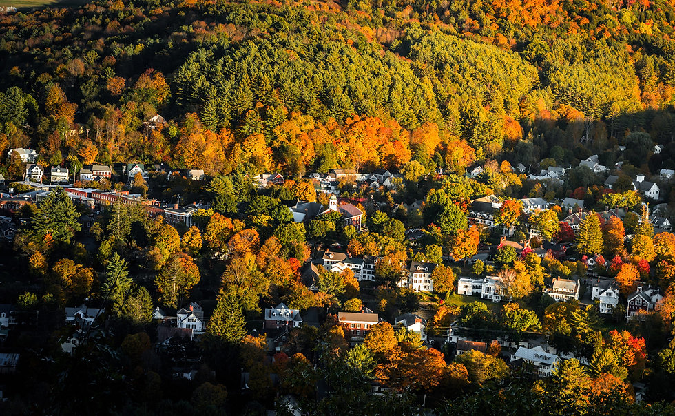 Leaf-Peepers-by-Rail-Notch-Above-Tours-7