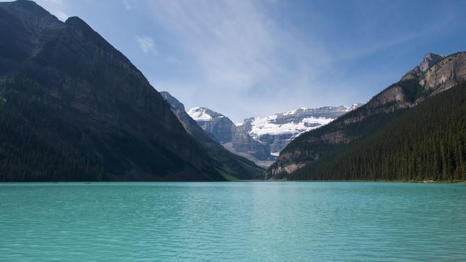 lake-louise-3694488_1920 - Champlain Tou
