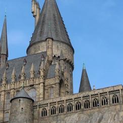 castle-1176422_1920-770x293.jpg