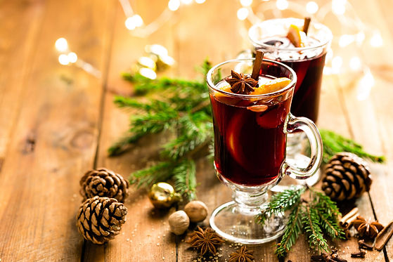 christmas-mulled-red-wine-with-spices-an