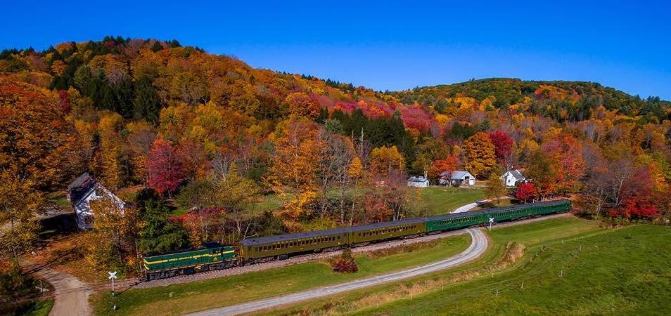 chester foliage train - Champlain Tours.