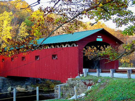 Leaf-Peepers-by-Rail-Notch-Above-Tours-2