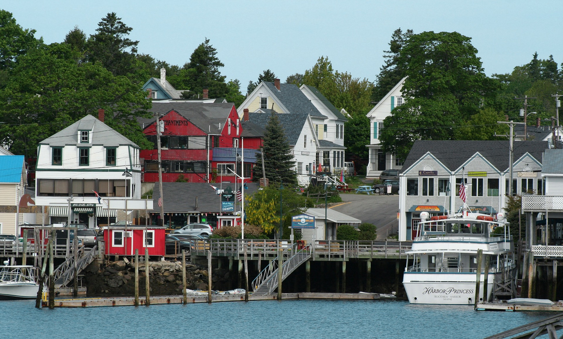 boothbay-harbor-3451822_1920 - Champlain