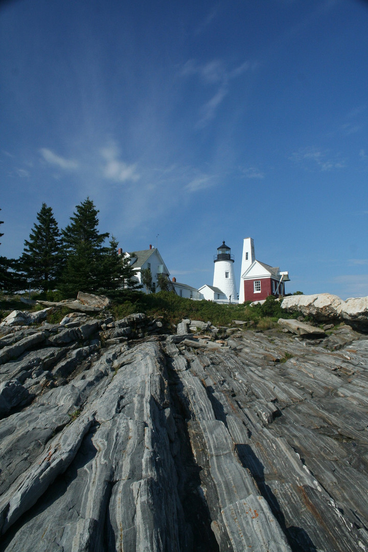 lighthouse-1945705_1920 - Champlain Tour