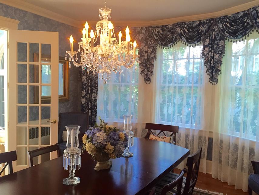 Living Room by Mango Interiors