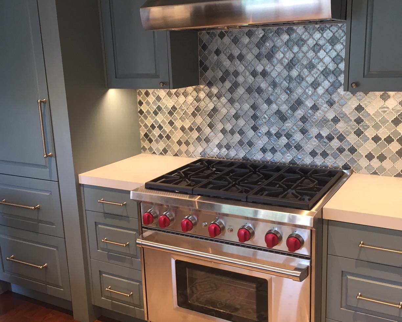 Kitchen by Mango Interiors