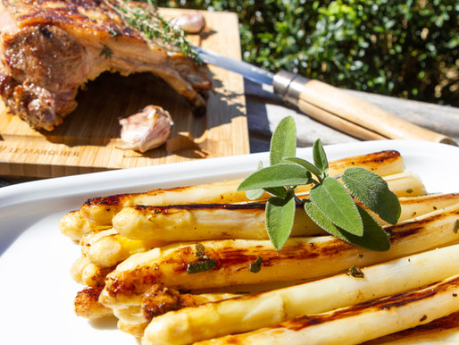 Carré d'agneau & asperge blanches rôties au beurre de sauge