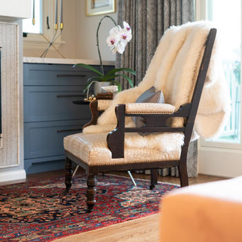 Modern + vintage furnishings add to the charm of this design