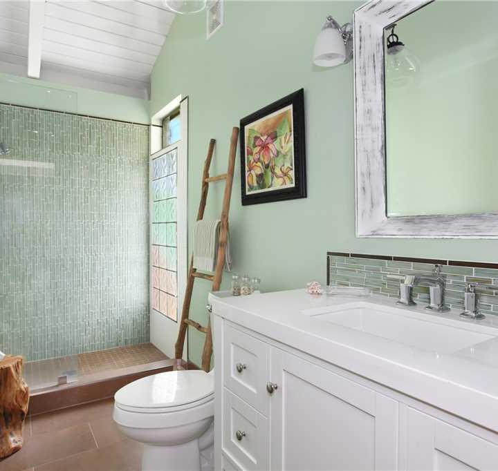 Kauai Guest Bathroom