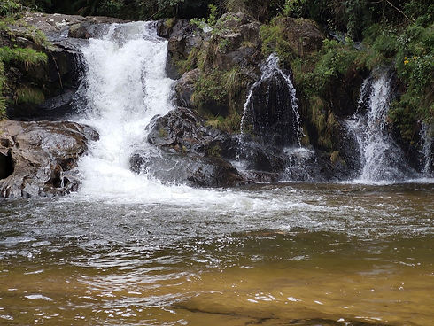 Cachoeira Belissima no alto da Serra