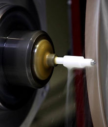 Hartbearbeitung CNC Schleifmaschine.jpg