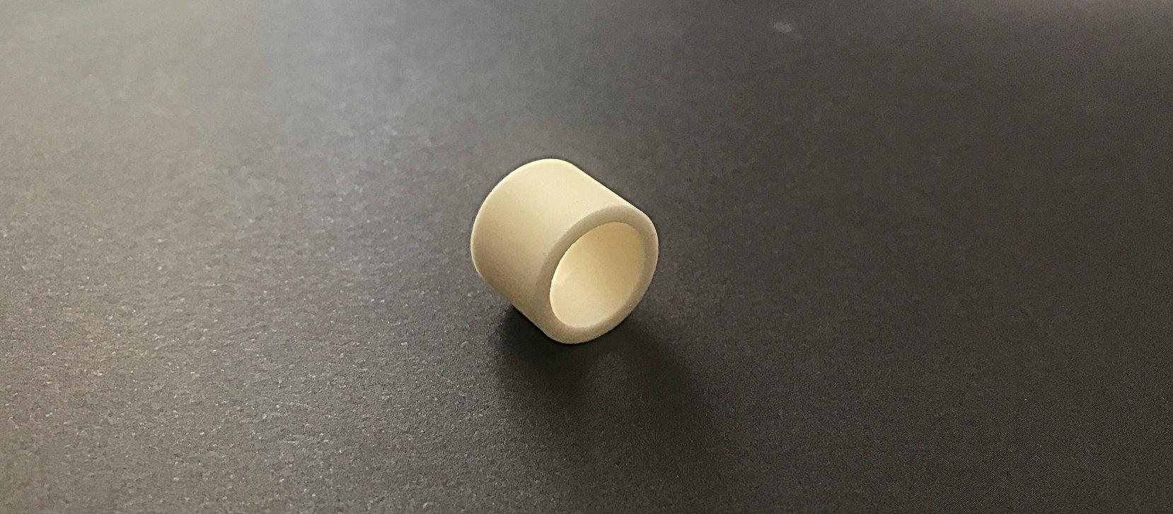 Buchse aus Aluminiumoxid Keramik.jpg