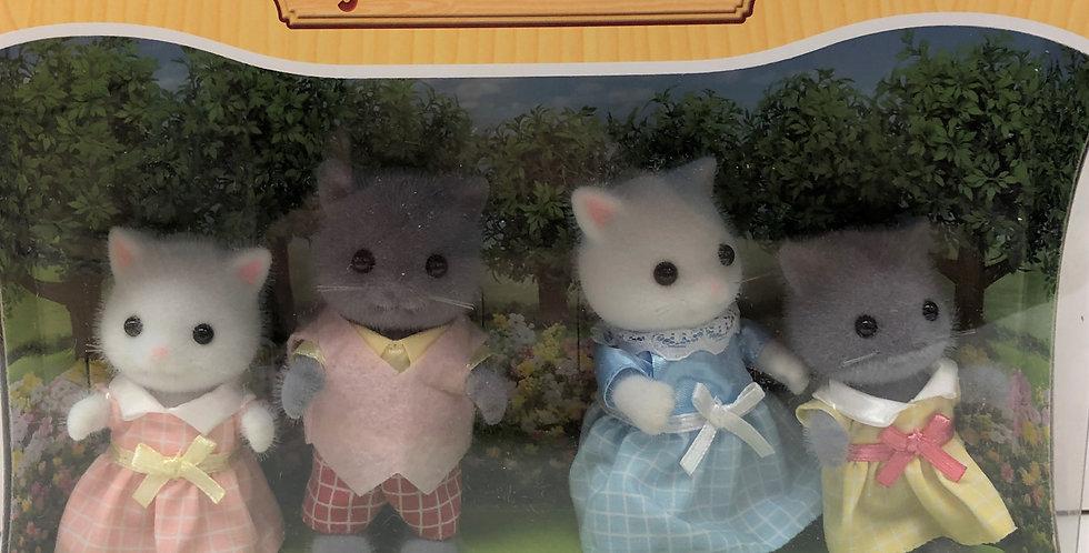 Sylvanian Families Persian Cats Age 3+