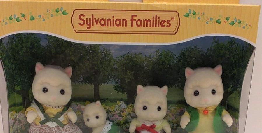 Sylvanian Families Woolly Alpaca family