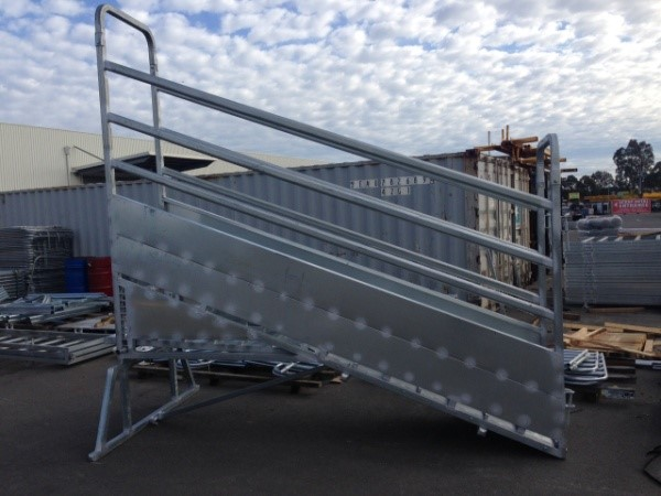 Senturion Steel Supplies Cattle Ramp 01.
