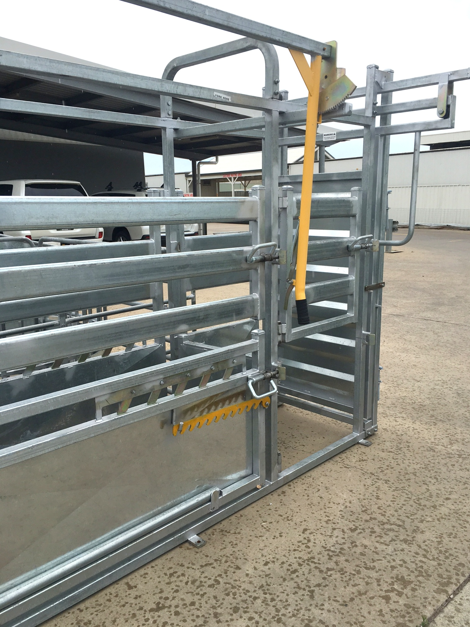 Senturion-Steel-Supplies-Vet-Cattle-Crus
