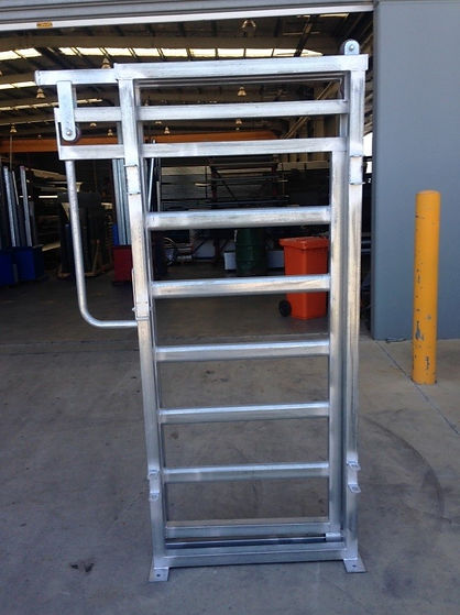 Senturion Steel Supplies Cattle Slide Ra