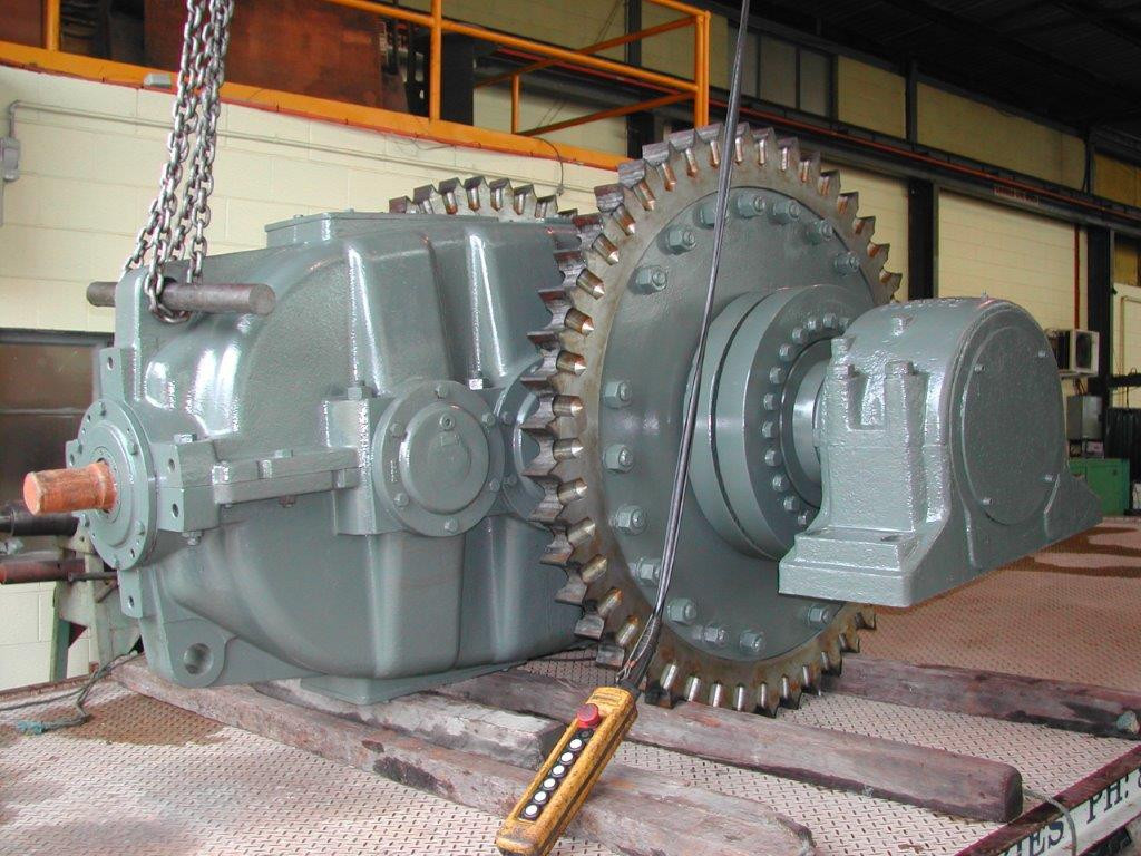 FLENDER GEARBOX AND SPROCKET ASSEMBLY