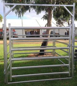 Senturion Steel Supplies Cattle Swing Ga