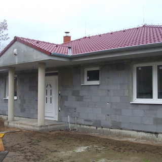 Výstavba domu.jpg
