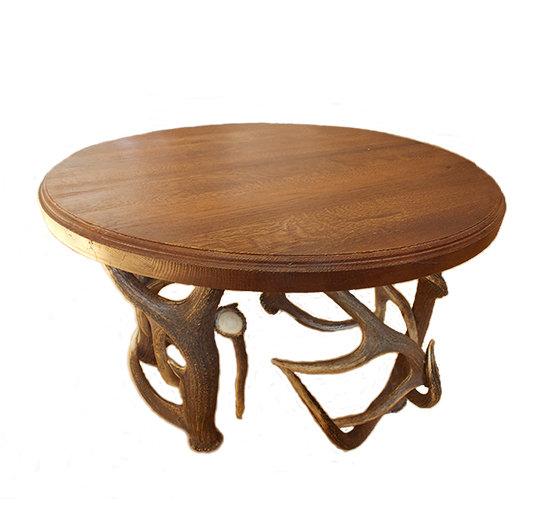 Poľovnícky stôl z parožia