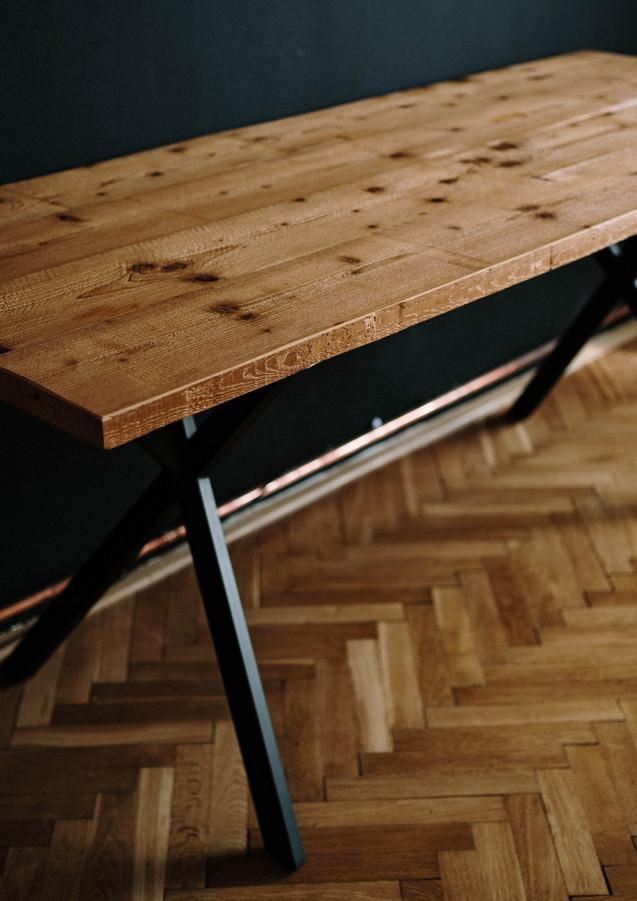 Stůl z katrovaného smrku, olejováno