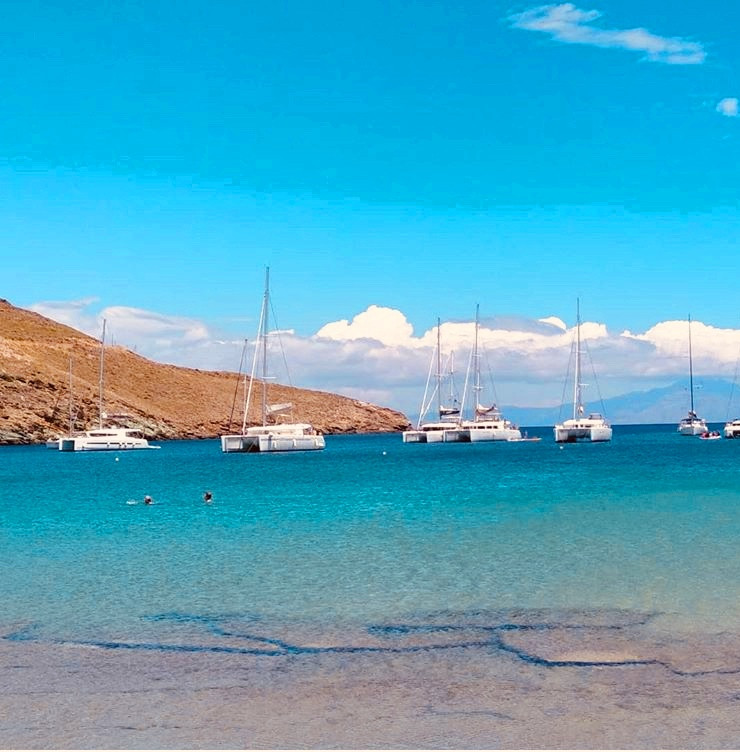 Otzias beach - Crystal waters
