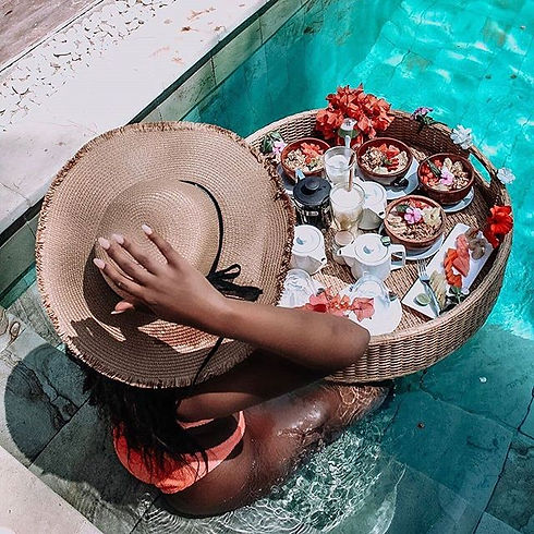 🍉🍉 Our floating breakfast is free if y