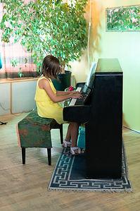 Fun Piano Teachers In Montreal