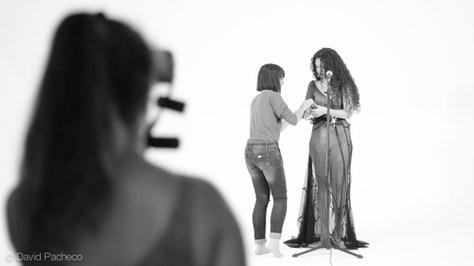 "Aleshandra Timbel en su videoclip ""Feeling good"""