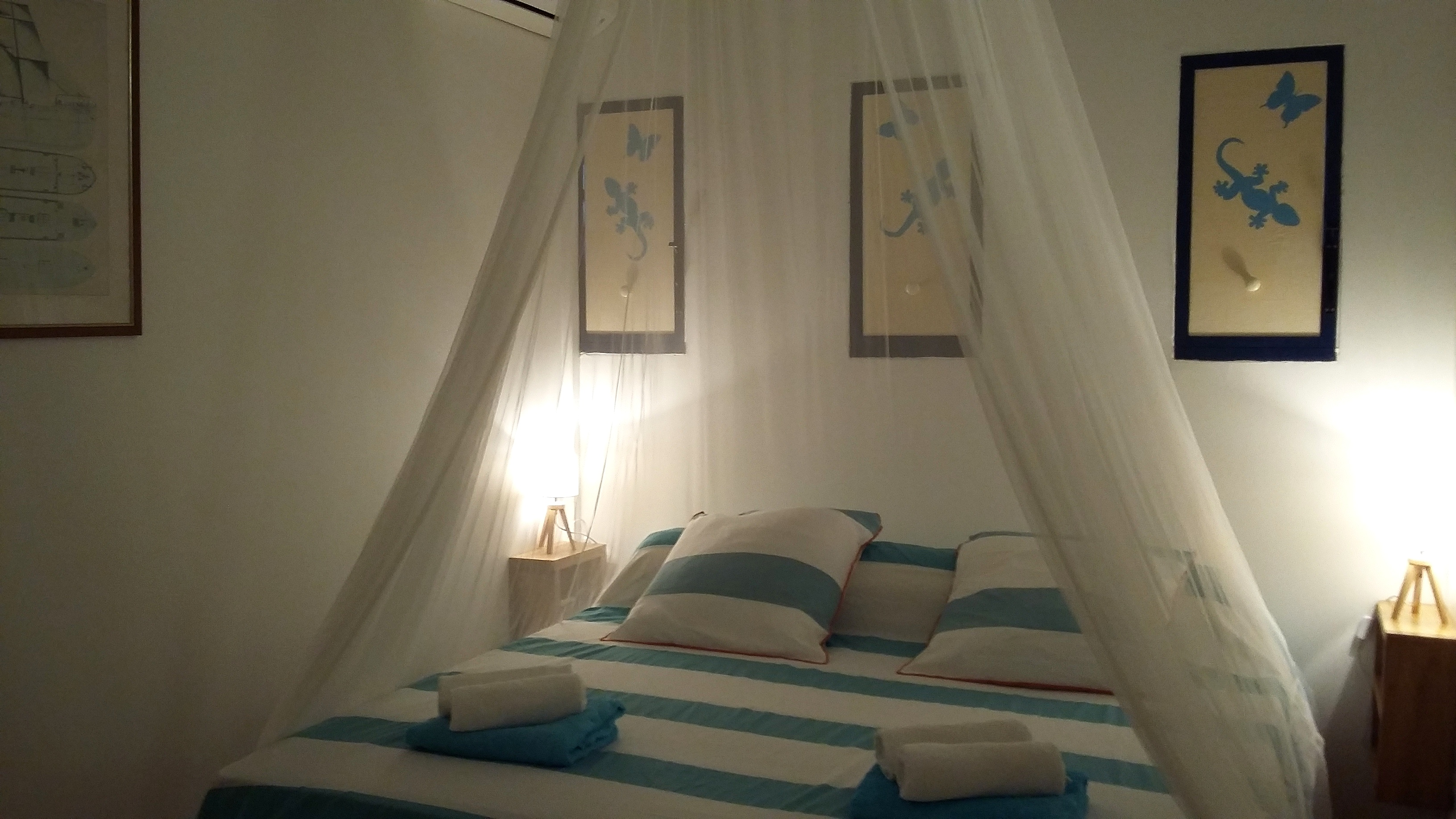 Anoli Location_Chambre bleue_Sainte-Anne_Guadeloupe (5)