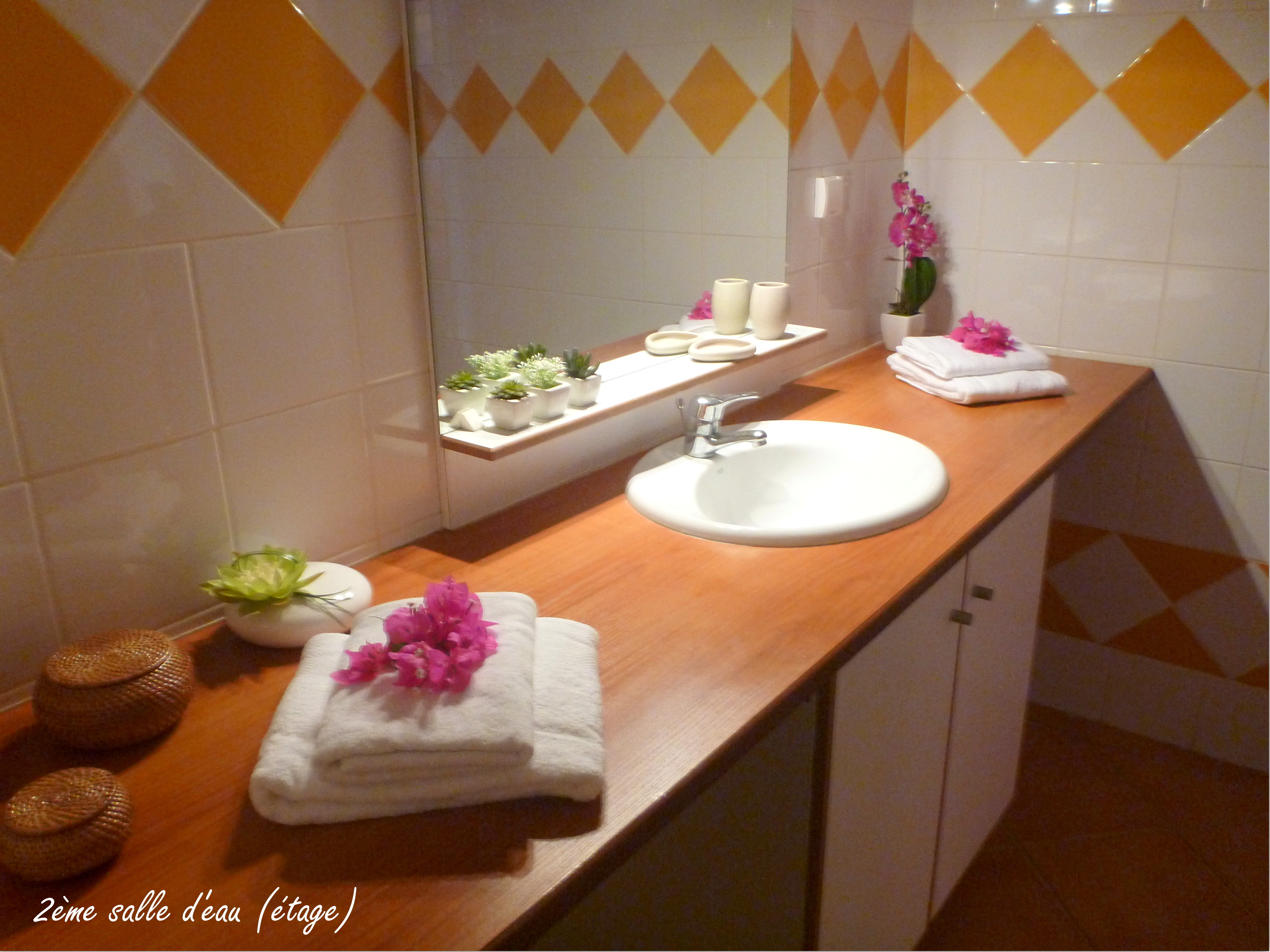 Anoli Location_Salle de bain Orange