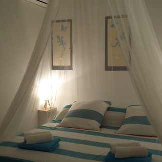 1ère chambre climatisée (lit 180x200)