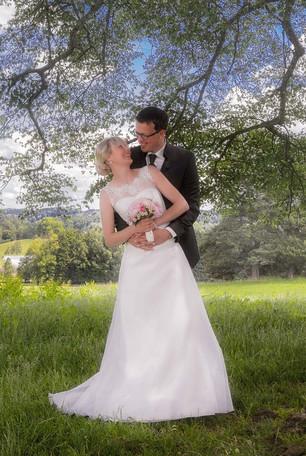 Brautpaar in der Natur