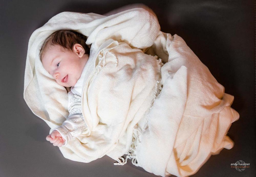 Eingewickeltes Baby