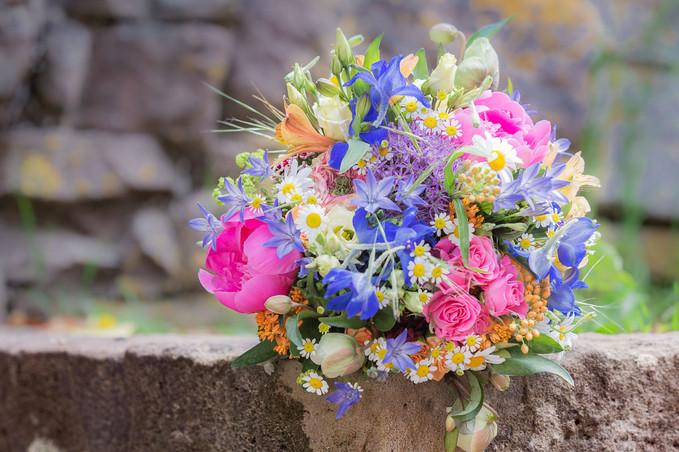 Sommerlicher Brautstrauß