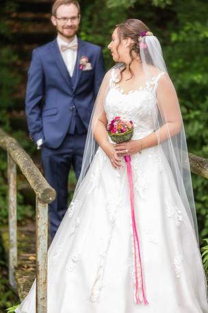 Bräutigam sieht Braut