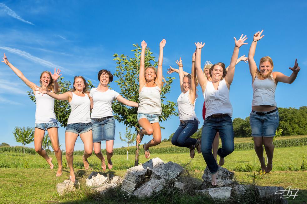 Mädels springen