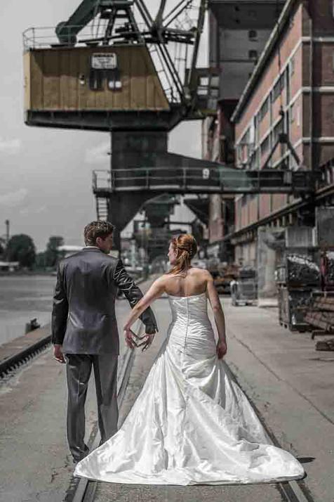 Brautpaar im Rheinhafen