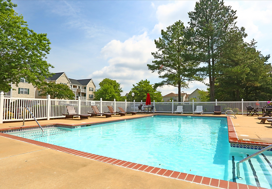 Taylor Pointe_Pool4.png