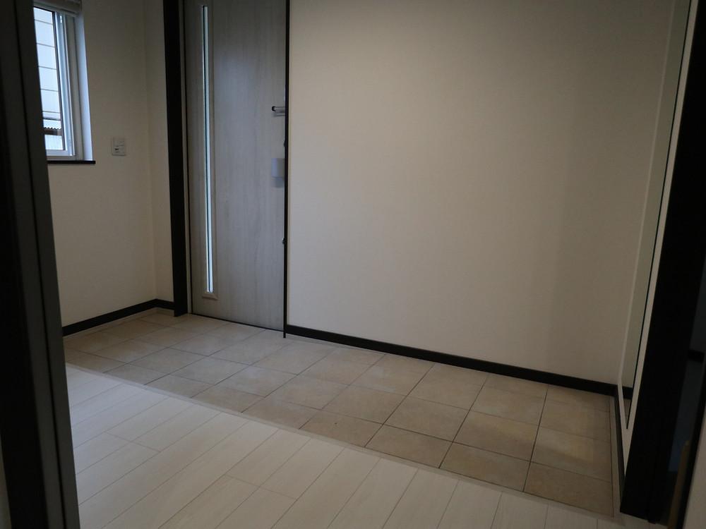 玄関も段差なし(スロープ)