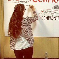 Working for Sanofi, capturing interesting contents on several Graphic Recording boards, during a workshop.