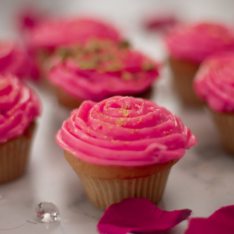 Rose and Pistachio Eggless Cupcakes