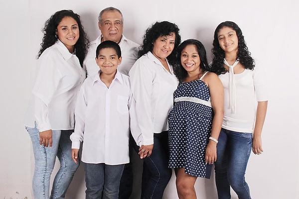 family-photo-827763_960_720.jpg