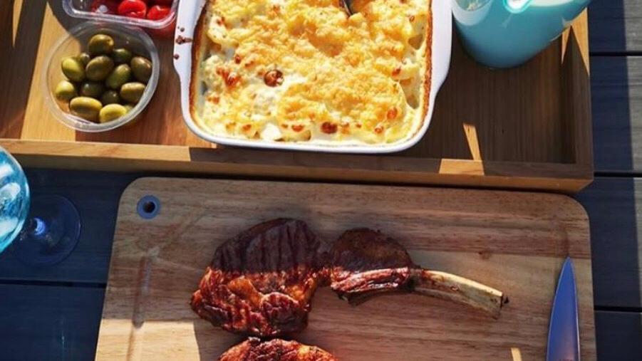 1x tomahawk steak
