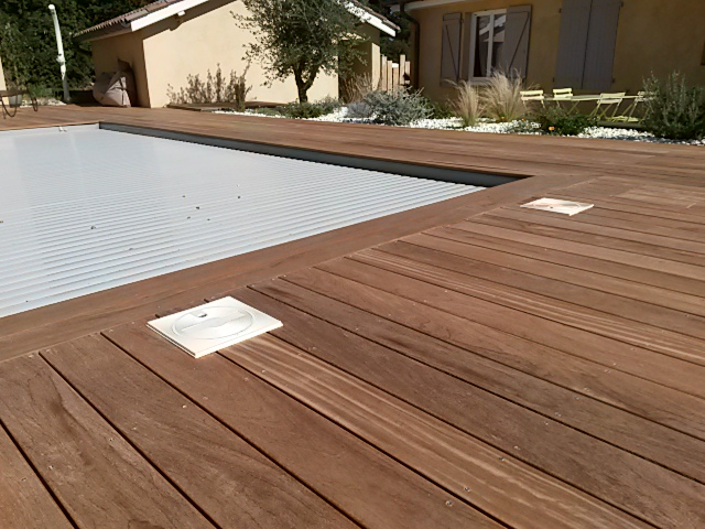 Plage de piscine Cumaru Rhône BCR