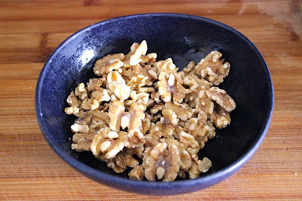 Greek Yoghurt Walnut Chicken Salad